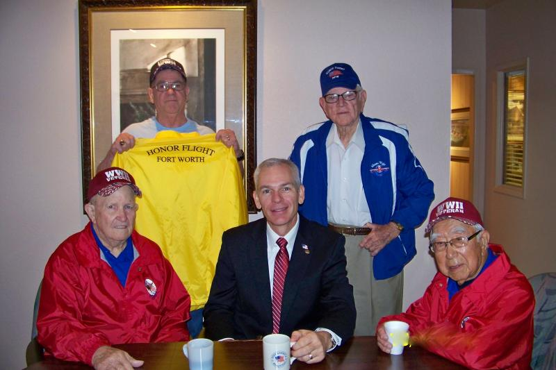 Mayor Congratulates WWII Honor Flight Veterans