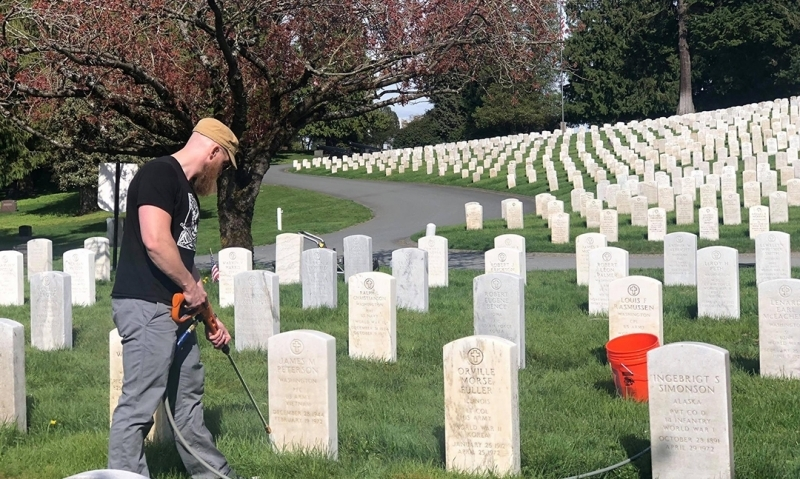 Veterans help clean thousands of military headstones in honor of Memorial Day