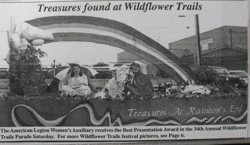 Women's Auxiliary Parade Float Receives Award