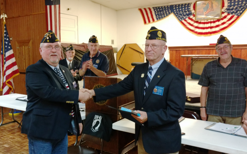 Terry Thompson recieves Meritorious Service Medal