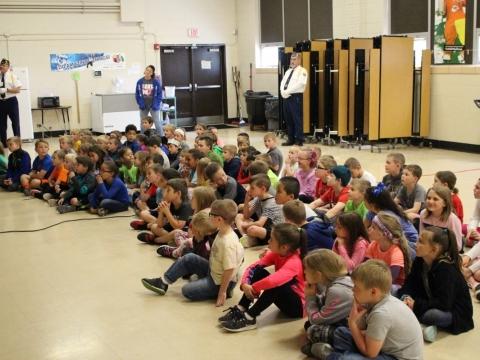 Minnie Cline Elementary Flag Etiquette Class