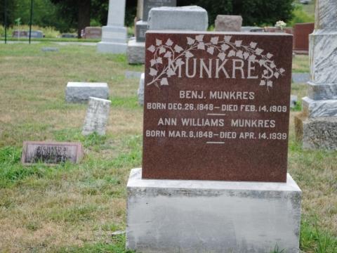 Dick Munkres Grave site & Family Monument Restoration